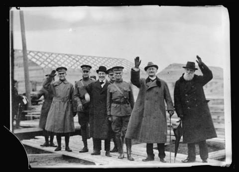 Francis-en-Tjaikovski-in-Archangel-17-feb-1919
