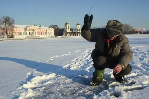 Visser-op-het-ijs